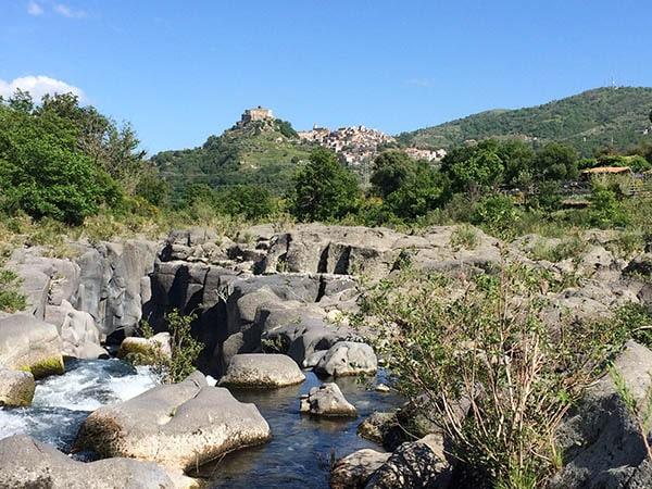 Alcantara met Castiglione - Tenuta Madonnina - Vakantiehuis Sicilie