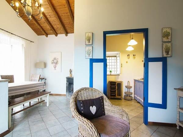 Tenuta Madonnina - Villa Etna eetkamer
